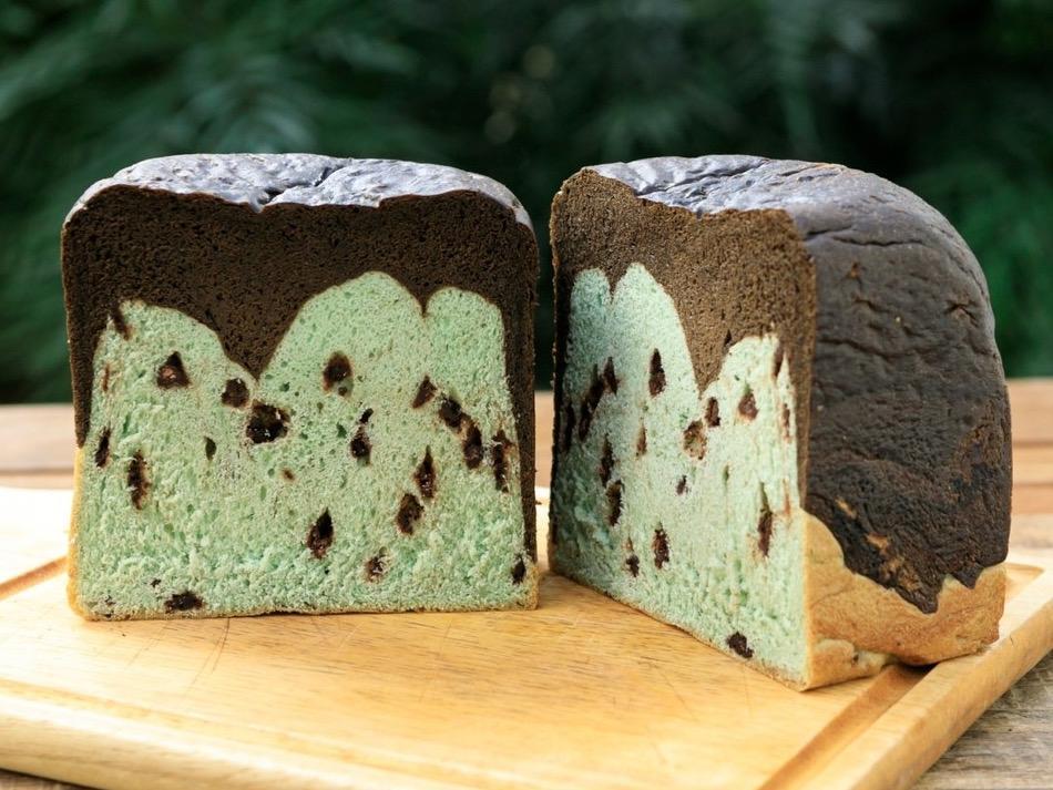 「チョコミント食パン」