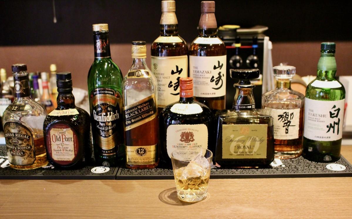 アルコールメニューは500円から用意する