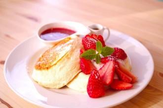 赤坂の「トレジオンポート」で宮城県産のミガキイチゴ使ったパンケーキ 季節限定で