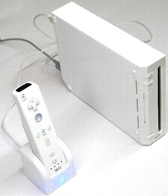 画像左が「USBリモコンチャージャー」