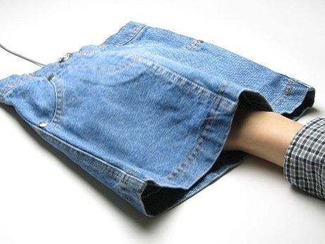 画像は「スカート型のマウスパッド みゆき」使用例