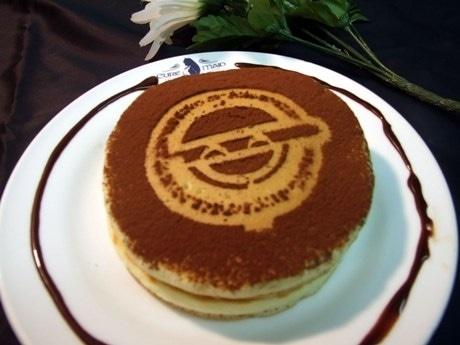 画像=笑い男ホットケーキ