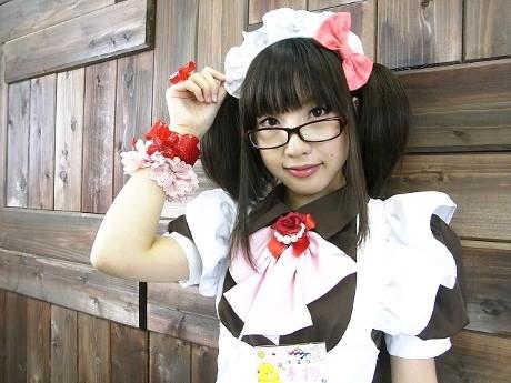 画像=モデルは@ほぉ~むcafeメードの手鞠さん