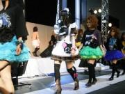 アキバで「ファッション×漫画」テーマにシンポジウム-モードメークのメード・ショーも