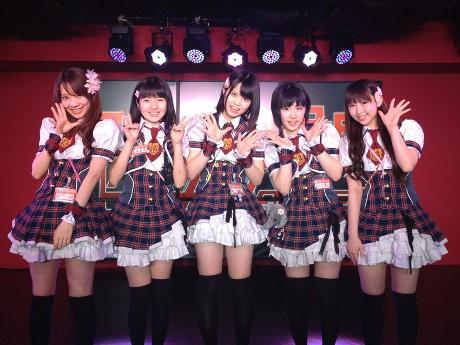 アイドルキャストら(左から堀内華央理さん、蒼嶋夏恋さん、広沢麻衣さん、大河華さん、_山口桃子さん)
