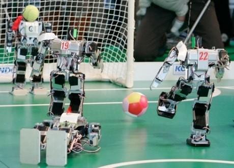 ロボットたちのサッカー大会「KONDO CUP」
