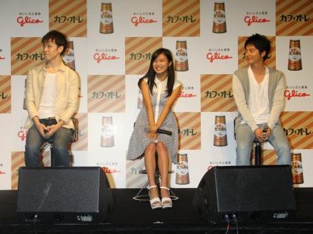 左からウエンツ瑛士さん、小島瑠璃子さん、小池徹平さん