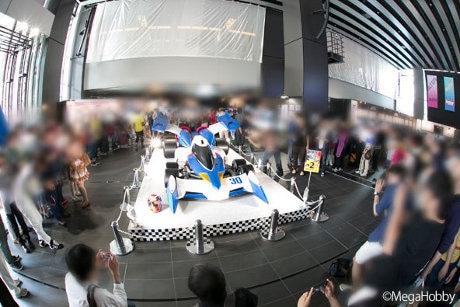 画像は2015年5月開催のイベント「メガホビEXPO 2015 Spring」での新世紀GPXサイバーフォーミュライベントの様子