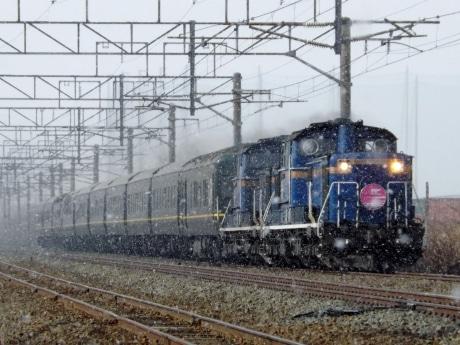 昨年の入賞作品。「トワイライトエクスプレス」を初春の北海道で粉雪と共に撮影したRyoさんの「永遠(とわ)の記憶」