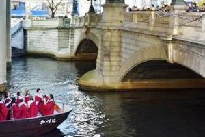 「クリスマスキャロリング・オン・ザ・ボート」イメージ