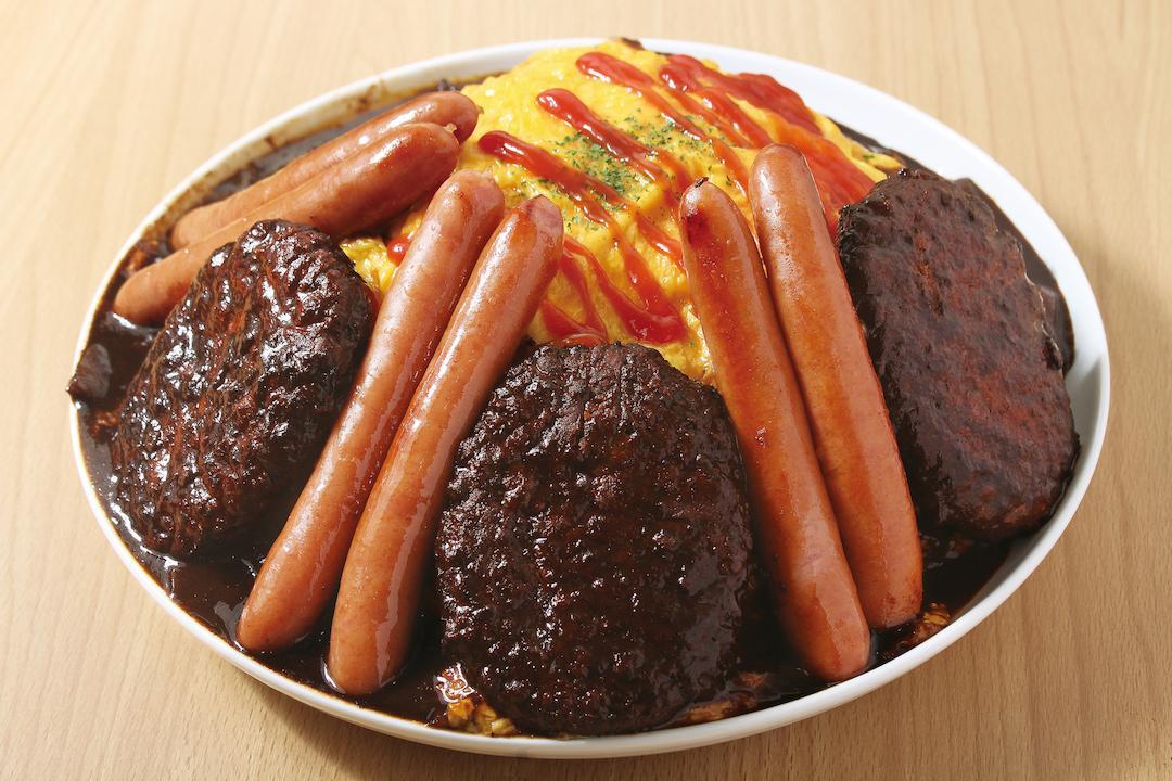 「神田たまごけん」の大食いチャレンジメニュー「肉のせデカ盛りオムライス」