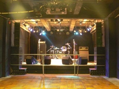 秋田のライブスポットで無料ライブイベント-地元バンド支援で