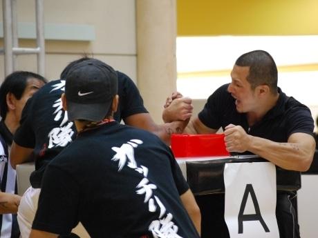 熱戦が繰り広げられた会場。全国大会2位の後藤さん(右)
