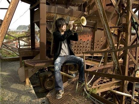 日本を代表するジャズ・フリューゲルホルン奏者の土濃塚隆一郎さん