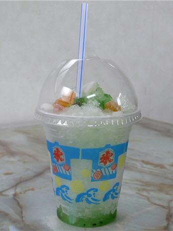製氷会社が販売する「氷やさんのかき氷」(200円)