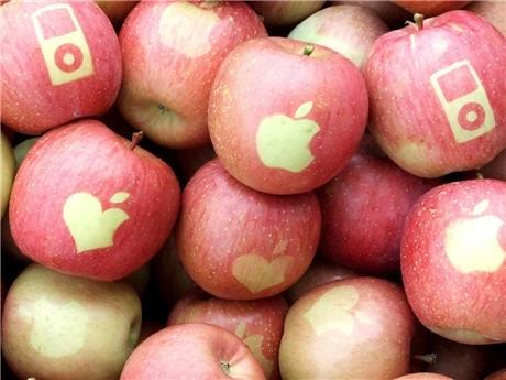 作ったリンゴは、「Appleのロゴ」「iPod のシルエット」「オリジナルのハート形リンゴマーク」の3種類