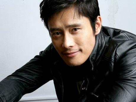 秋田をロケ地に新ドラマの撮影に入る韓国の人気俳優イ・ビョンホンさん