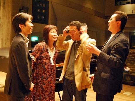写真左から勘座光さん、早川泰子さん、佐藤広則さん、山下弘治さん