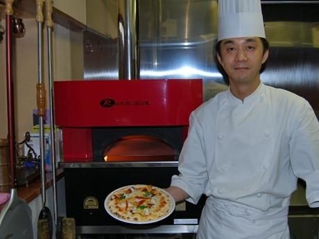 秋田県産フグをイタリアンに取り入れた伊太利亜酒場「オステリア・アルカ」オーナーシェフの作左部史寿さん