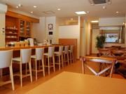 秋田・バリアフリーのコーヒーショップ、地元住民の「憩いの場」に