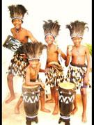 ジンバブエの少年音楽グループ、秋田各所でライブ-伝統音楽披露