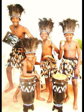 ジンバブエの子どもが中心の伝統音楽グループ「ジャナグルジュニア」
