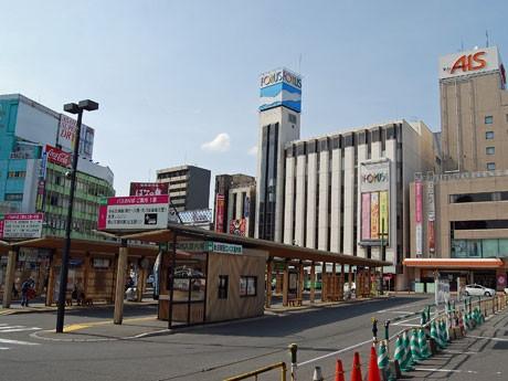 地域活性化イベント「商店街スゴロク」を開くJR秋田駅前