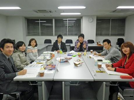 秋田市の成人式の運営に取り組む「新成人のつどい運営協力委員会」の皆さん