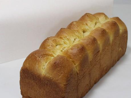 比内地鶏の卵を使った高級食パン