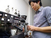 秋田のバリスタがコーヒーセミナー、ラテアートなどレクチャー
