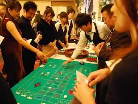 秋田市内で開かれた模擬カジノの様子