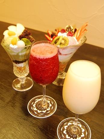 秋田の官庁街にオープンした「サンデーピープル」のフルーツメニュー