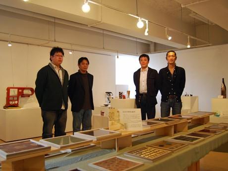 秋田県湯沢市の伝統工芸・川連塗り技術を受け継ぐ「川連漆器青年会」の皆さん