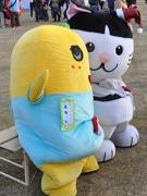 船橋「ふなっしー」人気の陰に秋田の猫キャラ「ニャジロウ」