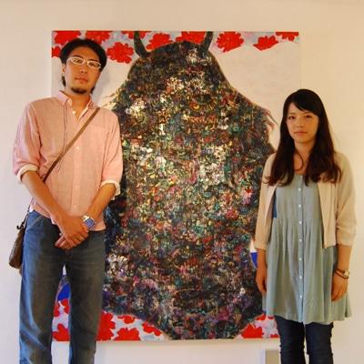東北芸術工科大学の三瀬夏之介准教授と同大学日本画コース3年生の大野菜々子さん