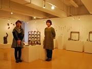 秋田で「陶とガラス」展-女性作家2人がアクセなど1000点