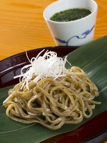 秋田市の日本料理「たかむら」が発売する「たかむら麺」