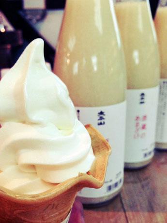 小玉醸造(潟上市)が発売した「あめこうじソフトクリーム」