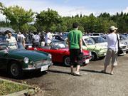 秋田・北欧の杜公園に昭和の名車、一堂に 秋田杉製「ハコスカ」も