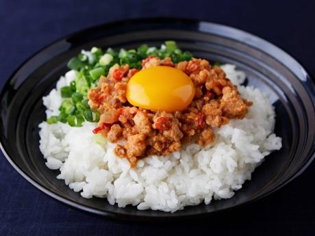 ブータンの伝統食をアレンジした「おらほの晩酌 秋田風エゼ」調理例