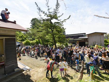 アートイベント「オジフェス」(5月28日に開かれたプレイベントの様子)