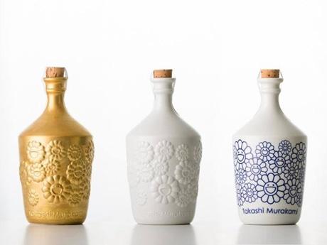 「Takashi Murakami×NEXT5」オリジナル陶器ボトル © Ikki Ogata