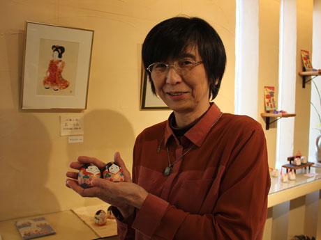 春がテーマの企画展を開く小西由紀子さん