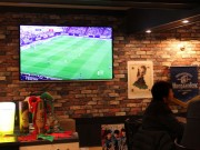 ビールバーがサッカーの試合を毎日上映 「ブラウブリッツ秋田」応援で
