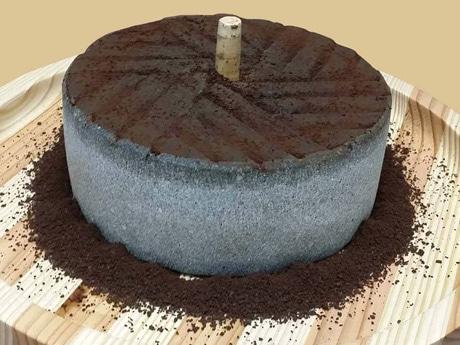 秋田で「石臼コーヒーミル」を使い試飲会 地元工芸品をPR