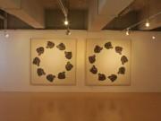 秋田で女性美術家が個展 帰郷20年ぶりの感覚描く