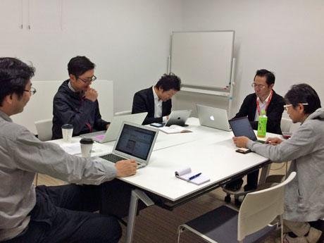 公開勉強会の開催準備を進める「Code for Akita(コード・フォー・アキタ)」のメンバー