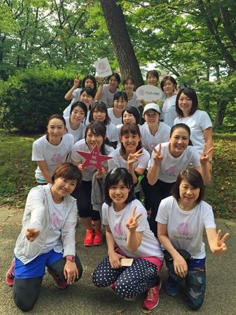 秋田市を拠点に活動する女性ランニングサークル「run×me(ランミー)」。木村志帆代表(前列左)