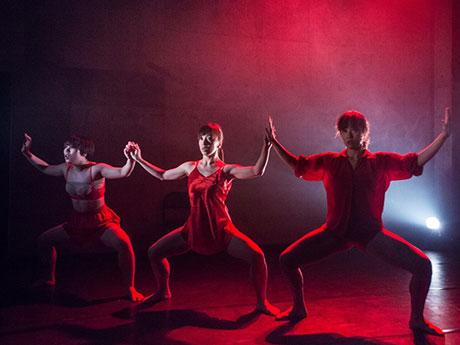 「土方巽記念賞」ファイナリストのダンスグループ「水中めがね∞」