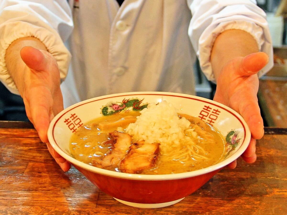 「清白湯スープ」が特長の「中華そば 東一」